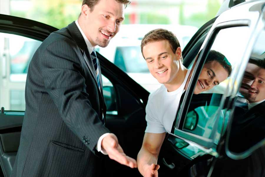 Работа с клиентами в автосалоне